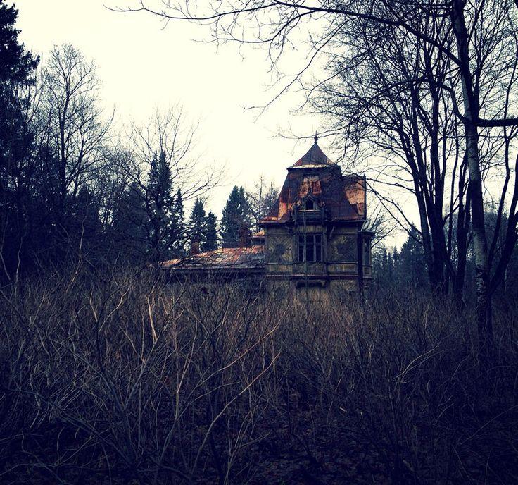 2393877-paranormal-les-10-maisons-hantees-les-plus-effrayantes-de-france.jpg (900×842)