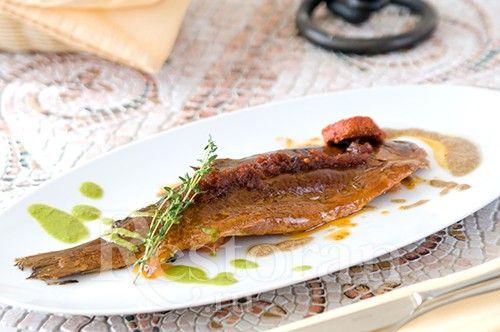 Копченая форель с жареными томатами и соусом из радиччо от шеф-повара Вячеслава…