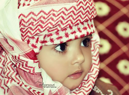 Cute Arab kid! I can't wait to see if Zayn get s that trait... Big beautiful eyes!