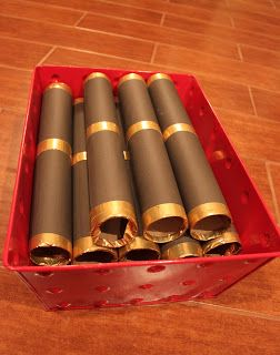 Jake & the Neverland Pirates Party: Jake's Spyglass (paper towel rolls, black and gold paper)