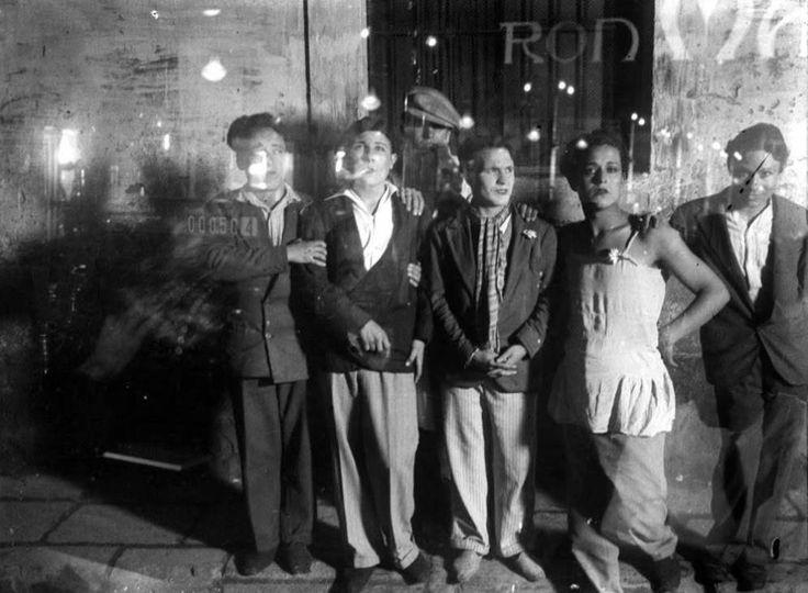 Foto: Viajeros bohemios en Barcelona (Josep Maria de Sagarra)