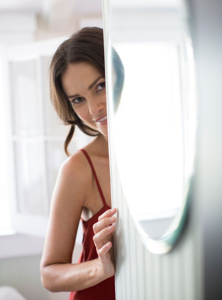 If you feel a little self-conscious about chubby cheeks or a double chin, you can take matters into your own hands. Although it's true that its impossible to spot-reduce fat but if you incorporate these practical tips into your everyday life, you'll be putting your body in the best position to slim down everywhere!