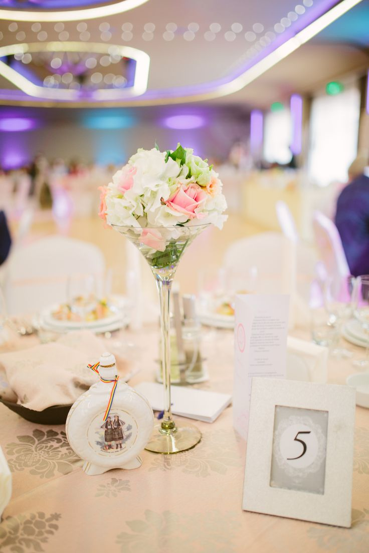 Wedding Centrepiece Aranjament floral nunta in caza martini