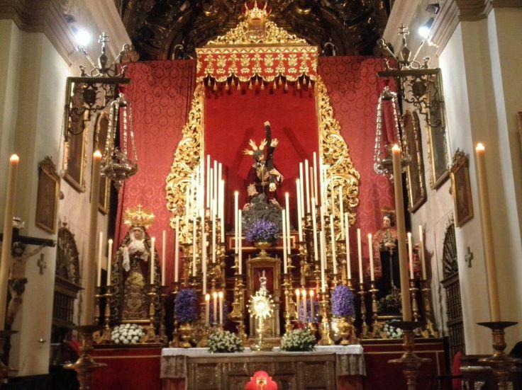 Altar de Cultos de la Hermandad de San Isidoro para la celebración de la Novena en honor a Jesús de Las Tres Caídas.