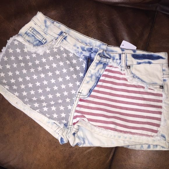 Forever 21 Americans shorts Shorts short about 10 inches from top to bottom Forever 21 Shorts