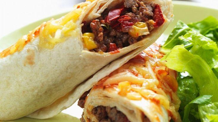 Roll it baby: Mexikanische Burritos mit Hack   http://eatsmarter.de/rezepte/mexikanische-burritos-mit-hack