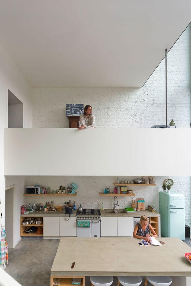 Huis in Antwerpen met enorme deuren