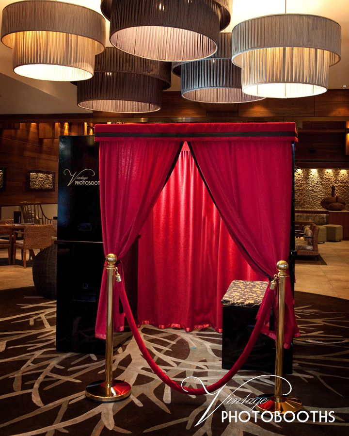 All Vintage Photobooths feature plush velvet curtains, tassels and opulent Art Deco features. Style + fun!