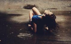 Της Μοσχούλας Σολάκη Οι γυναίκες που αγαπώ! Πατούν γερά στα πόδια τους… Δεν έχουν ανάγκη από χορηγούς και σωτήρες! Μιλούν ξεκάθαρα χωρίς να νιαουρίζουν… Ξέρουν τι θέλουν και το διεκδικούν. Σέβονται το σώμα τους και δεν το εξευτελίζουν! Η καρδιά τους είναι καθαρή και πλούσια, γεμάτη αγάπη. Γίνονται μάνες πρότυπα και φέρουν στην κοινωνία παιδιά [...]