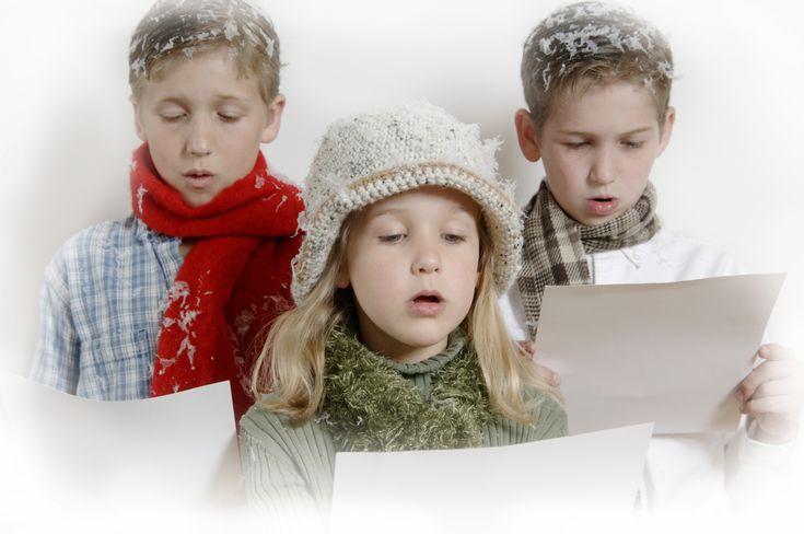 El inglés no sólo se puede estudiar en el colegio. ¡Se puede aprender en casa, de forma divertida y de vacaciones! Si quieres fomentar el aprendizaje del idioma inglés en tus chicos estos videos de canciones de Navidad en inglés para niños te podrán ayudar. Con la grandi
