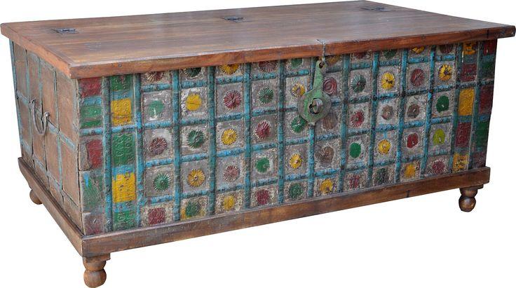 diese alte indische truhe l sst sich wunderbar als couchtisch verwenden da kann man sich an den. Black Bedroom Furniture Sets. Home Design Ideas
