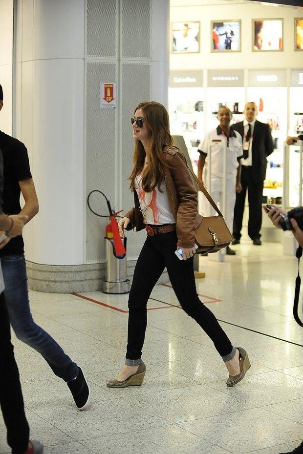 Marina Ruy Barbosa no aeroporto (Foto: Marcello Sá Barretto/AgNews)