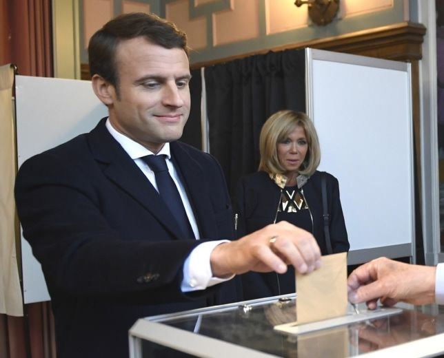 Mister Macron, who are You?; bad news from France...; Kim jest Emmanuel Macron?