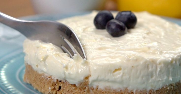 Spring feels a long way away right now, but that doesn't mean we can't get a jumpstart on dishes that taste like it. After all those heavy cakes and cookies, we're craving something light and creamy— like this lemon cheesecake! The perfect...