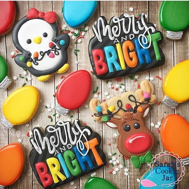 Merry and BRIGHT cookies from @sarahscookiejar!!! Absolutely gorgeous!! Sarah used our Merry Christmas plaque to create this cute lettering!! You can also snag the penguin and reindeer cookie cutters from @thesweetdesignsshoppe!!