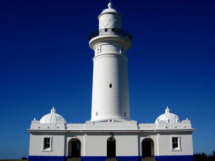 Australia's oldest lighthouse stands as a magnificent beacon to Sydney Harbour and still provides a light to guide ships entering the Heads. The lighthouse was built in 1818 on the cliff top at South Head. Designed by convict architect Francis Greenway, it was constructed of sandstone quarried on site.