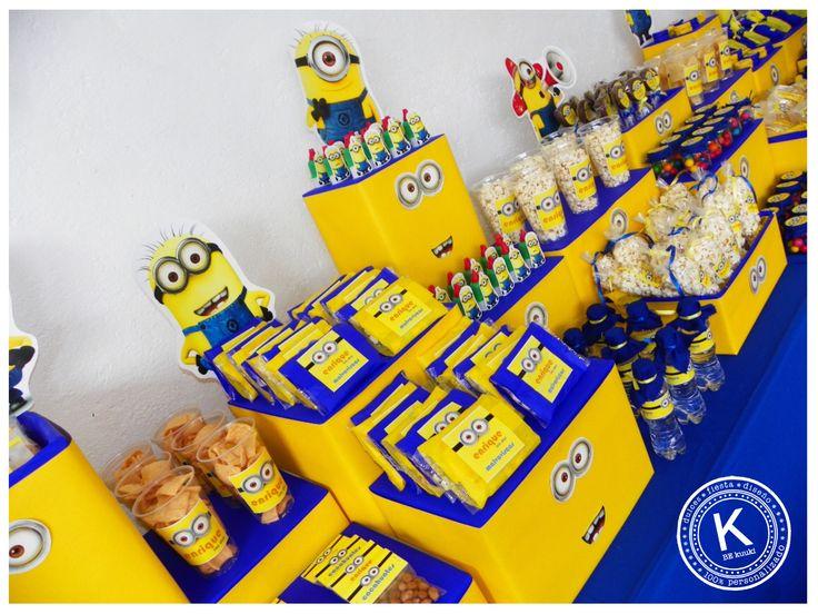 Mesa de dulces | candy bar | cumpleaños | minions | dulces | salado | fiesta | amarillo | azul | niños | www.beKUUKI.com