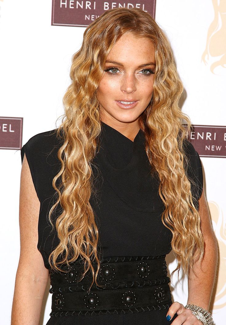 Lindsay Lohan's Hair Evolution: Wavy – 2008