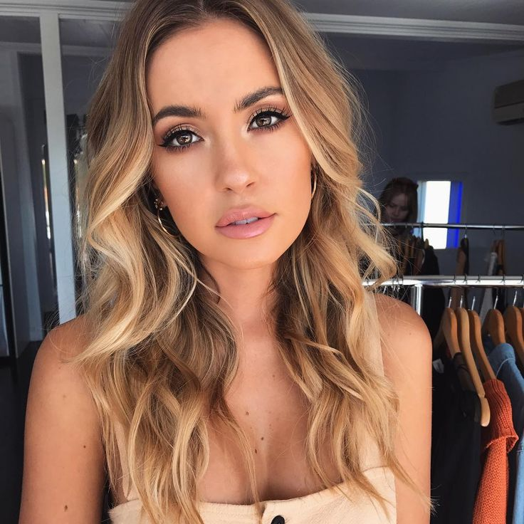 "807 Likes, 6 Comments - Sheridan Meyers Makeup Artist (@sheridanmeyers) on Instagram: ""On maternity leave but can still post photos of glammed up babes! #hair & #makeup for…"""