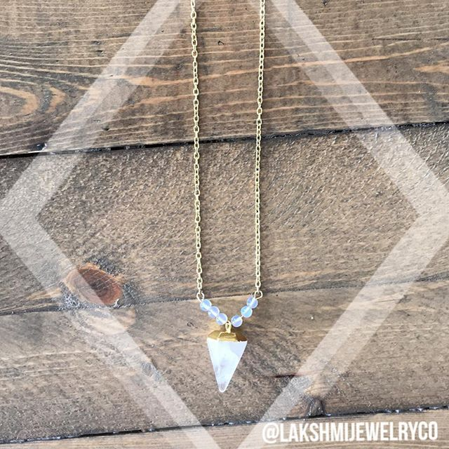 Geometric simplicity | Quartz point with Opal accents to enhance your inner beauty and promote love  These two stones are the epitome of Inner Goddess!   _ _ _ _ _  #lakshmijewelryco #lakshmi #innergoddess #goddessnecklace #gemstonejewelry #gemstones #crystalnecklace  #vancouvergemstones #handmadejewelry #crystaltherapy #crystalhealing #vancouverjewelry #newagejewelry #goodvibes #entrepreneur #vancouverstartup #vancity #gemstonependant #opal #opaljewelry #quartz #quart