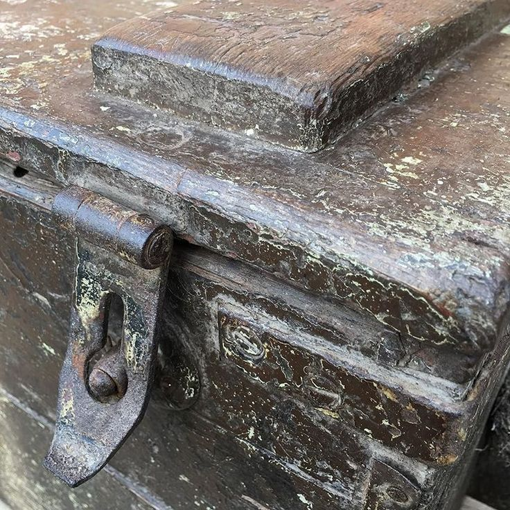 A beautiful patina tells stories of the past in this maritime chest
