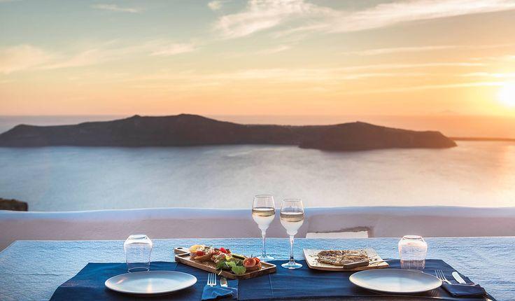 Dolce Vita @ Sophia Luxury Suites Santorini!