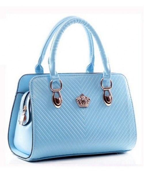 Tas Import BT4745-BLUE Tas Korea Import Harga Murah Model Terbaru 2015 Merek Berkualitas IMPORT 100% DI JAMIN ! Material : PU leather ( Glossy ) Length:    26 - 28 cm Height:    20 cm Depth:     12 cm Bag Mouth: Zipper    Long Strap: Yes 0.9 kg   ..
