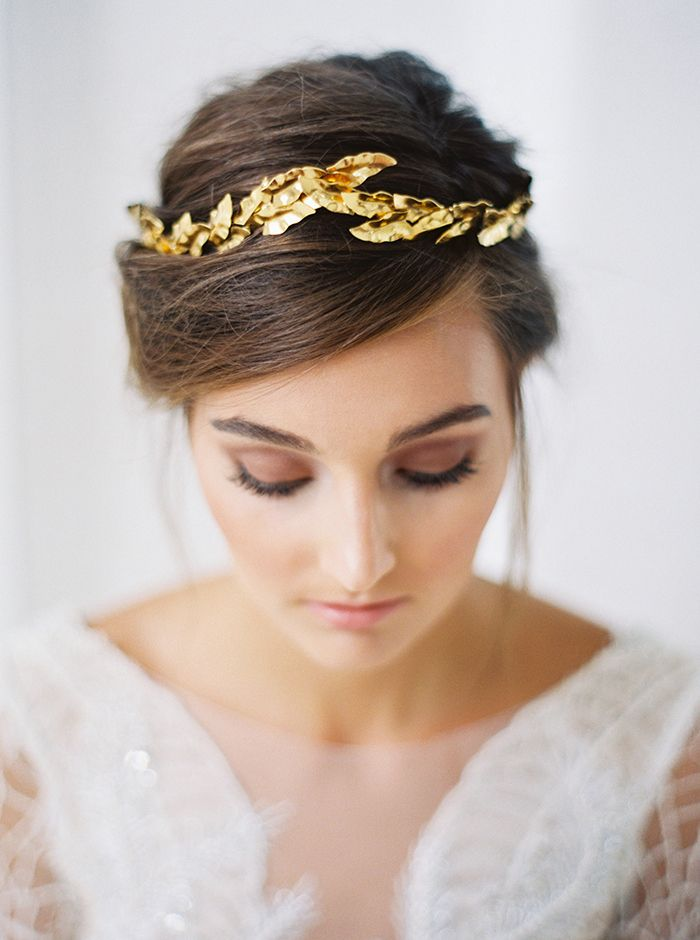 Smoky Bridal Makeup with a Gold Headpiece | Taylor Lord Photography | http://heyweddinglady.com/modern-barn-wedding-cognac-blackberry/
