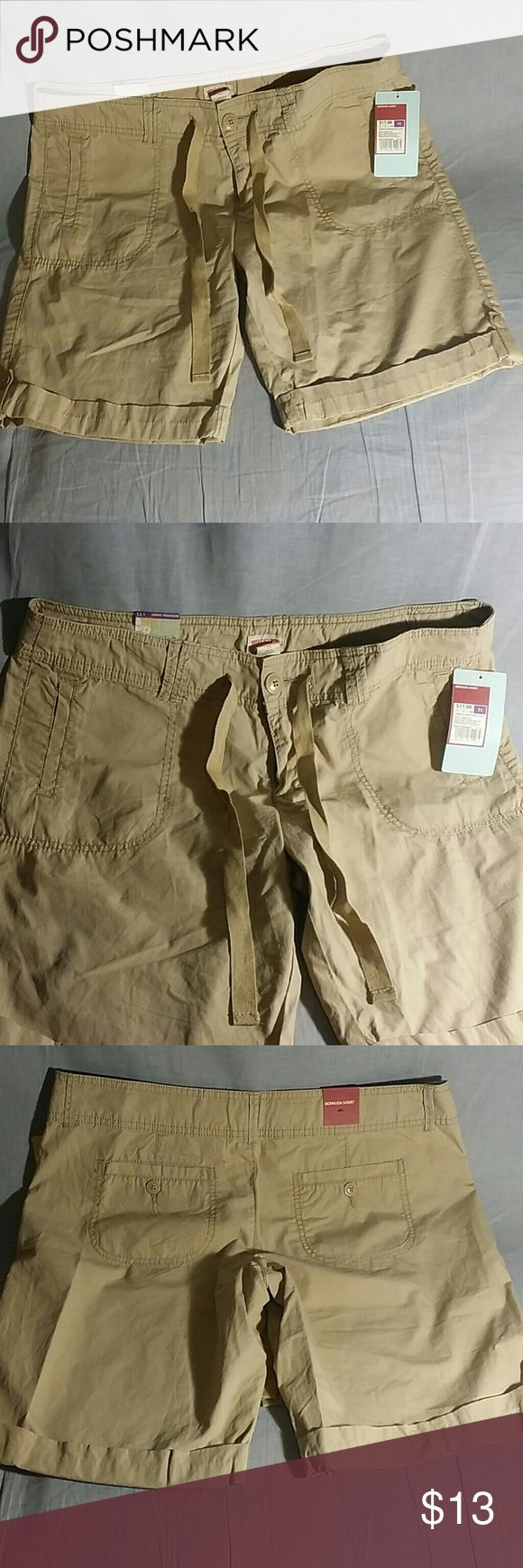 "MOSSIMO Bermuda Shorts Pants Tan Size 11 Cotton Women's Shorts Item is NEW measurements 17"" INSEAM 9.5"" TALL 17"" 100% cotton. Mossimo Supply Co Shorts Bermudas"
