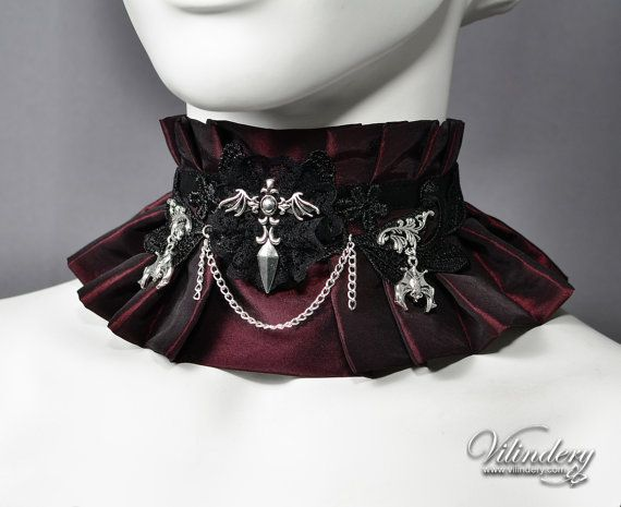Gothic Vampire Choker with bats and Chain  Lolita by Vilindery