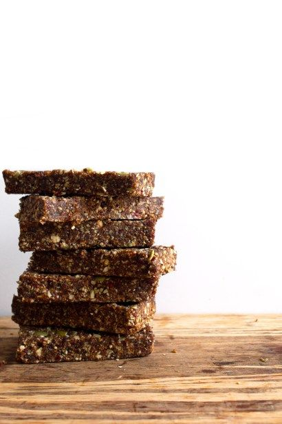 Raw Fig and Nut Bars - Wifemamafoodie