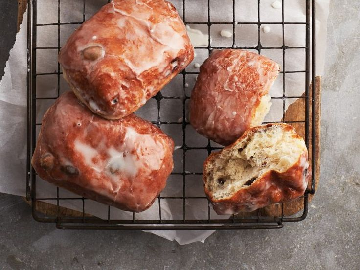 The Dutchess Doughnut: the Canadian classic doughnut! Get the recipe and 14 more iconic Canadian recipes here.