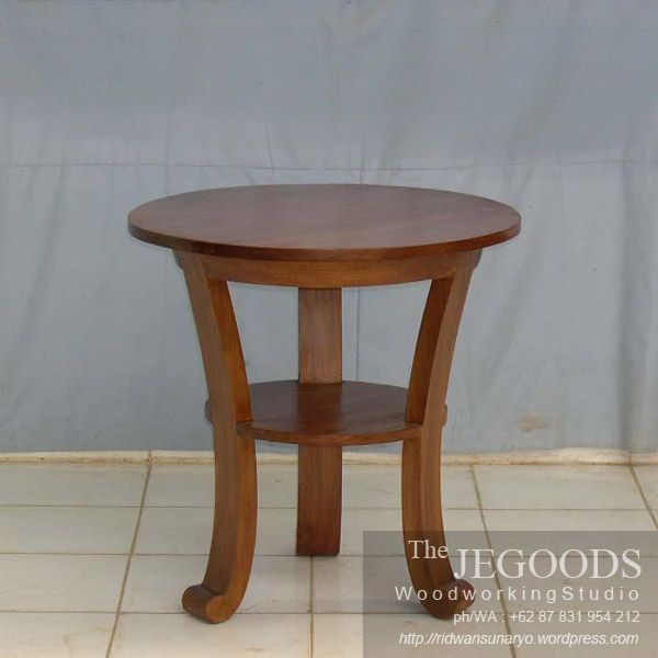 We produce colonial contemporary side table furniture made of solid teak wood Indonesia. Best traditional #handmade craftsmanship with high quality at affordable price. #teakfurniture #sidetable #furniturefactory #furniturewarehouse #teaktable #colonialfurniture #indonesiafurniture
