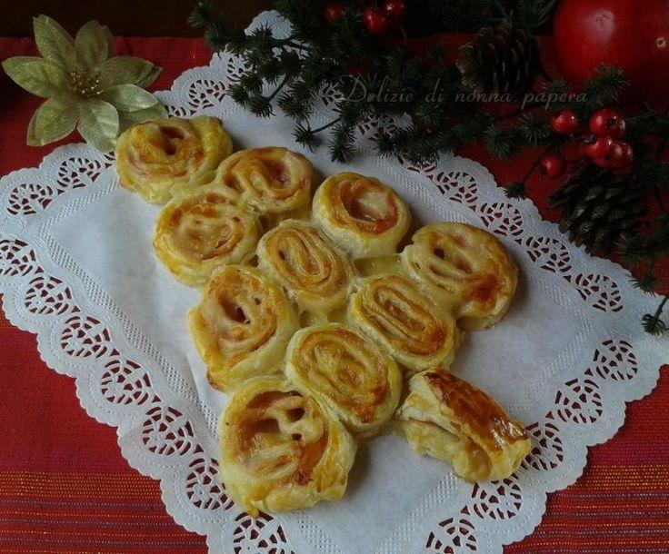 Albero+di+Natale+di+pasta+sfoglia+salato