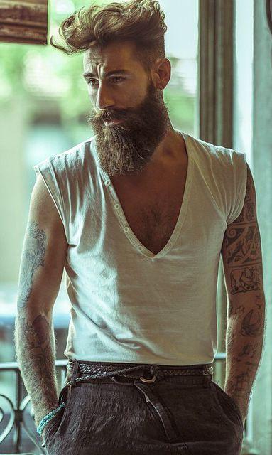 Trousers and the T-shirt Pinterest: @keraavlon #hipster #bohemian