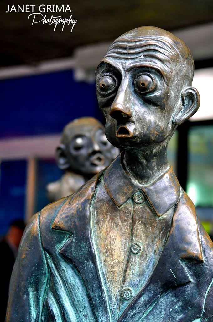 Melbourne Statue
