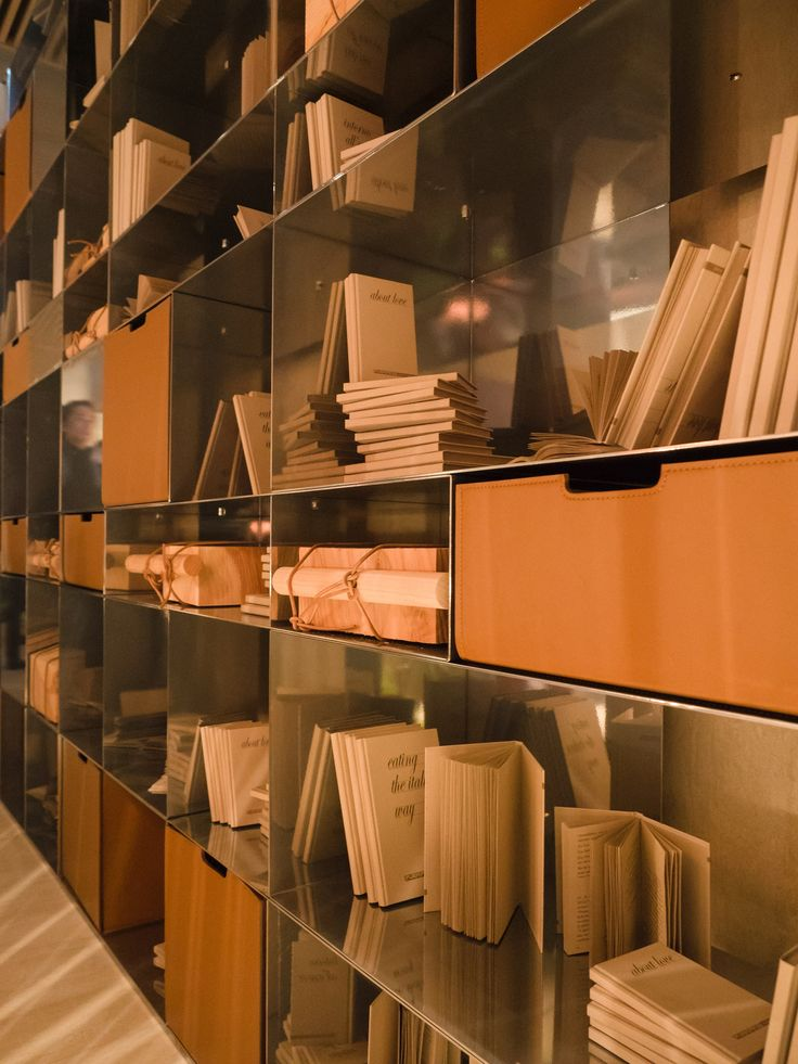 FLEXFORM INFINITY #bookshelves, designed by Antonio Citterio. Find out more on www.flexform.it