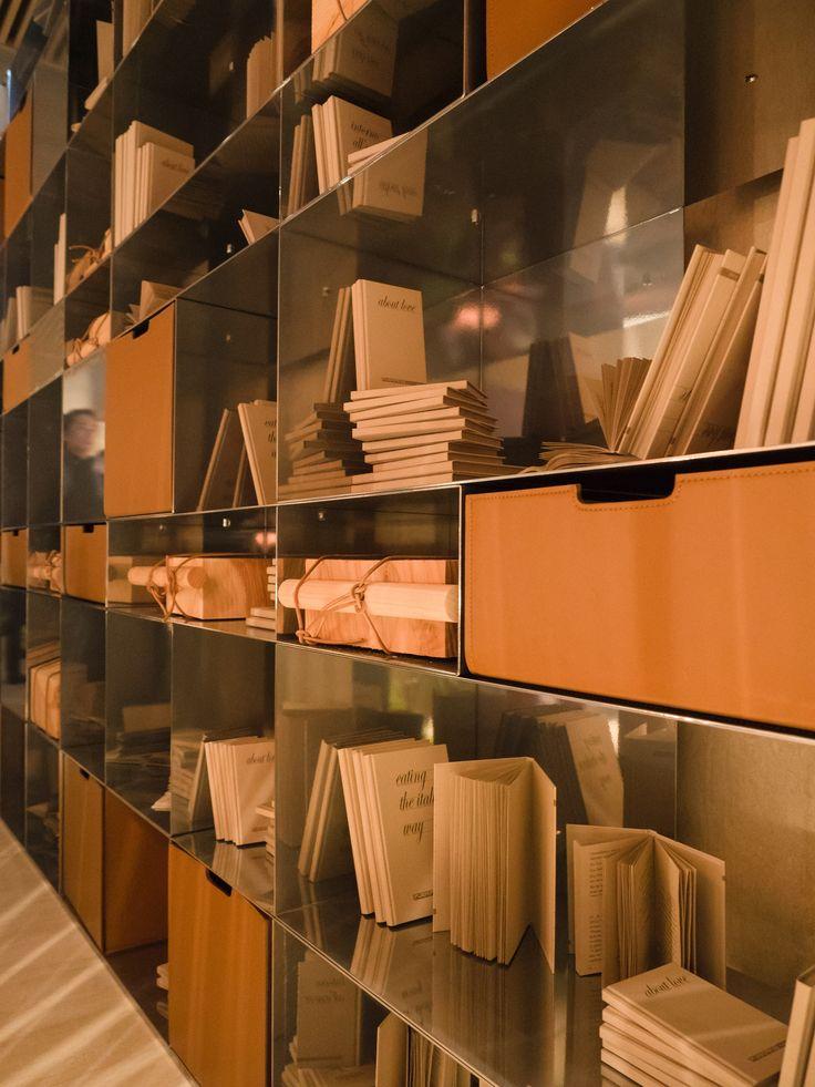 FLEXFORM INFINITY #bookshelves, designed by Antonio Citterio. Find out more on www.flexform.it