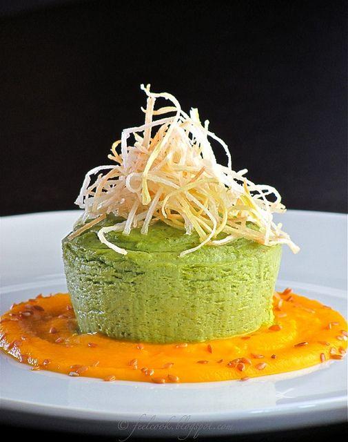Sformatino di broccoli con crema di carote e porro croccante by FeelCook