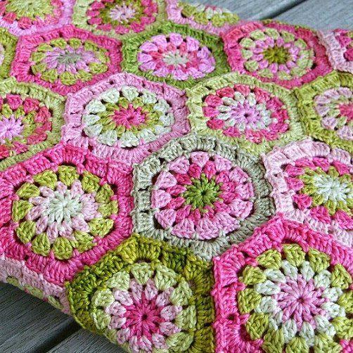 Her türlü iplik temini ve örgü modelleri nasıl örülür. Yirmi beş yıllık tecrübe ve ürün tedariği ile size yardımcı olalım.. (nako,alize,yarnart,lanoso,bonbon)  #melekyun  #knit #crochetflowers #sevgiyleörüyoruz #hook #vintagestyle #hergünebirdantel #dantel #yarn #birlikteörelim #bedspread  #dantelam #hobby #deryabaykal #instegram #elemeği #örgüm #örgümüseviyorum #siparişalınır #yün #kırlent #elişi #elemeğigöznuru #handmade #crocheted  #örgüdünyası #örgüyelek