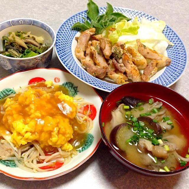 NHKのあさイチで 紹介されていた モヤシの卵・中華あんかけを ちょっとアレンジして 作ってみました。 それと 鶏ソテー、 舞茸とナスの味噌汁、 わらびとシイタケ・ゴボウ・カツオ菜の炒め煮 です。 - 11件のもぐもぐ - モヤシの卵・中華あんかけ 他 by orieueki
