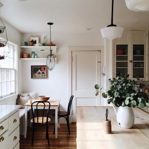 country kitchen | pendant light fixtures | kitchen | white cabinets | interior design | interior decor