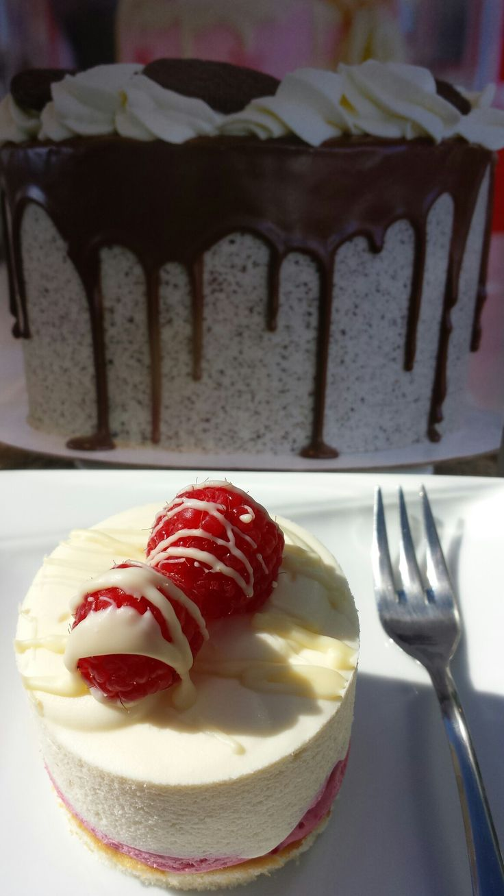 Frambozen witte chocolade gebakje van Sweet Unique