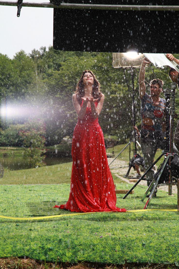 beren saat | Beren Saat in 2019 | Formal dresses, Turkish ...