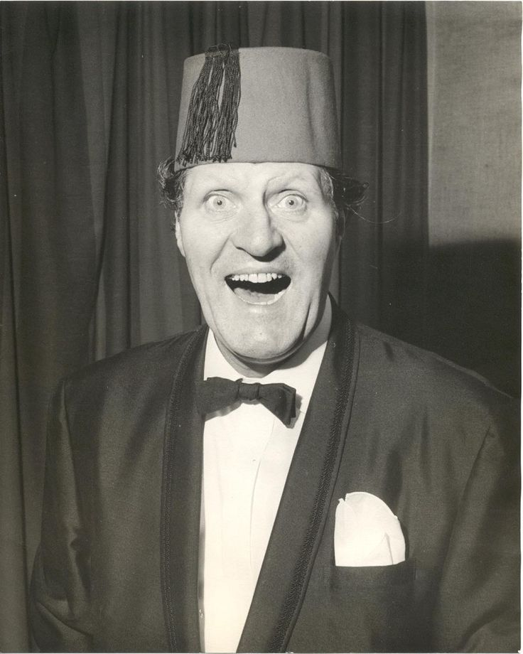 TOMMY COOPER - the greatest!