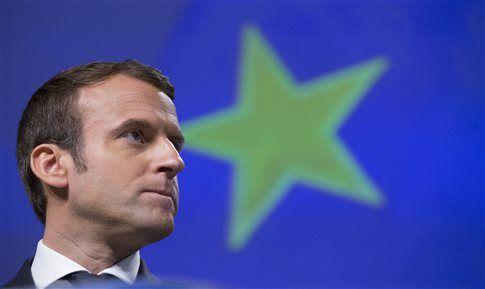 Ο Εμανουέλ Μακρόν υποδέχεται στις Βερσαλλίες τον Βλ.Πούτιν ~ Geopolitics & Daily News
