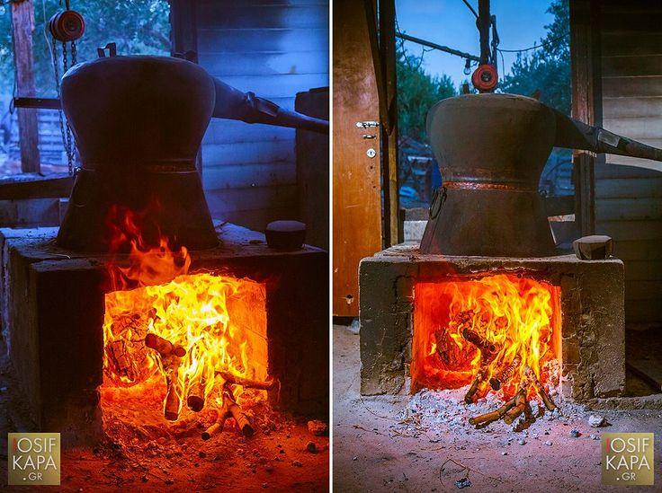 Η διαδικασία της παραγωγής - απόσταξης του γνωστού σε όλους μας  παραδοσιακού ποτού της Κρήτης...Η ρακί μόλις ετοιμάστηκε..δοκιμάστε την :-) | The process of production - #distillation of the well known traditional drink of Crete...Raki is ready ! Taste it :-) #Raki #CretanDrinks #Drinks #TraditionalDrinks #CretanSpirits #DrinksOfCrete #Crete #Ierapetra #Crete #FlavoursOfCrete | Photo by IOsif Konstantourakis©2013 [www.iosifkapa.gr]