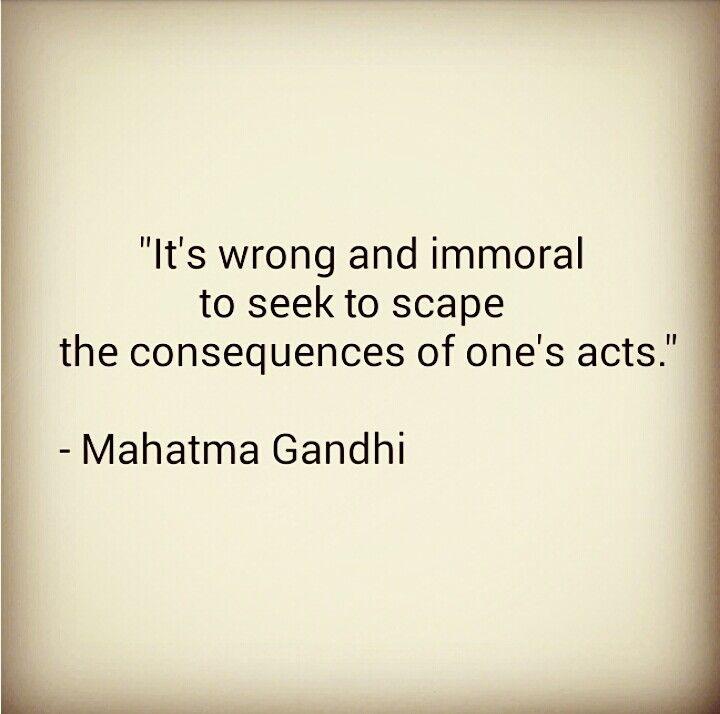 IG @yolys_crochet ~ Quote by Mahatma Gandhi