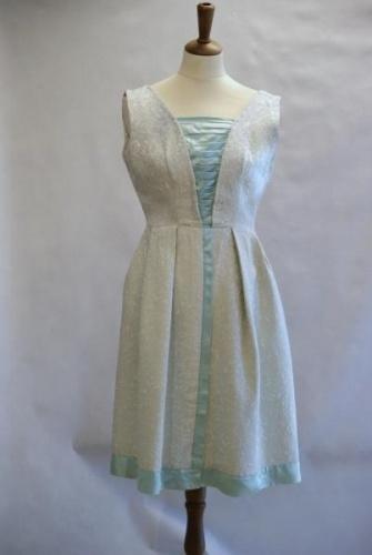 Vakker dansekjole fra slutte av 50-tallet Lysmint brokade br 85 liv 66 hofte 90 Antatt bomull Ingen maskinvask, Vasket p eget ansvar