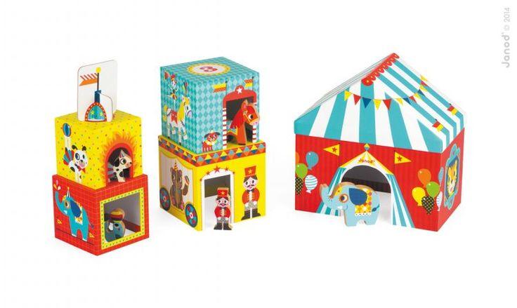Stapelboxar med fem träfigurer Cirkus